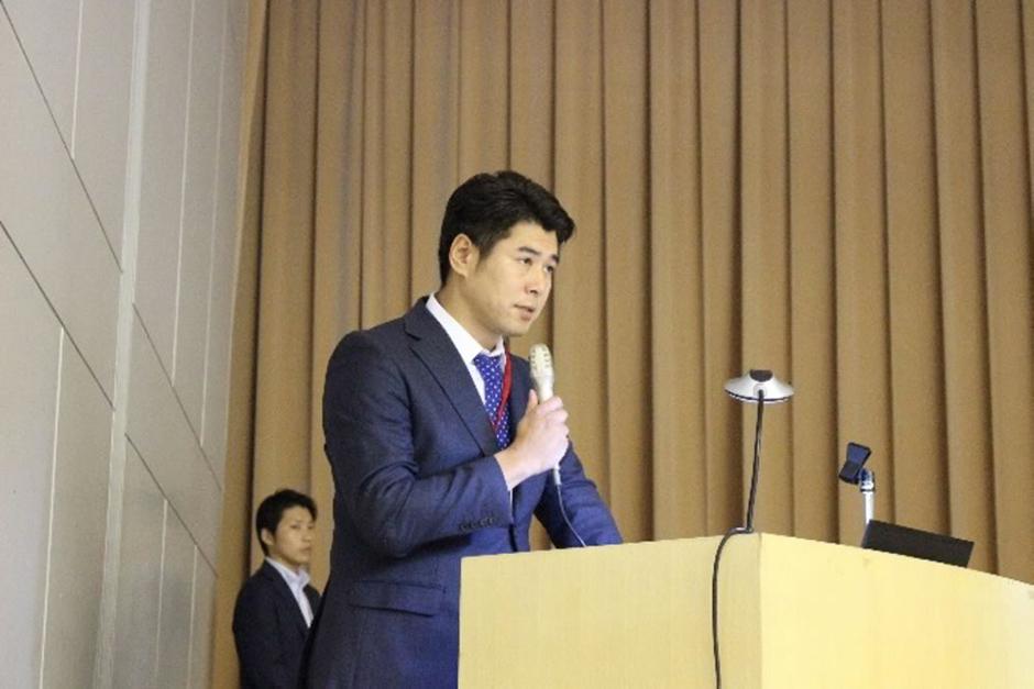 熊本地震の状況について説明する佐藤相談事業委員会副委員長